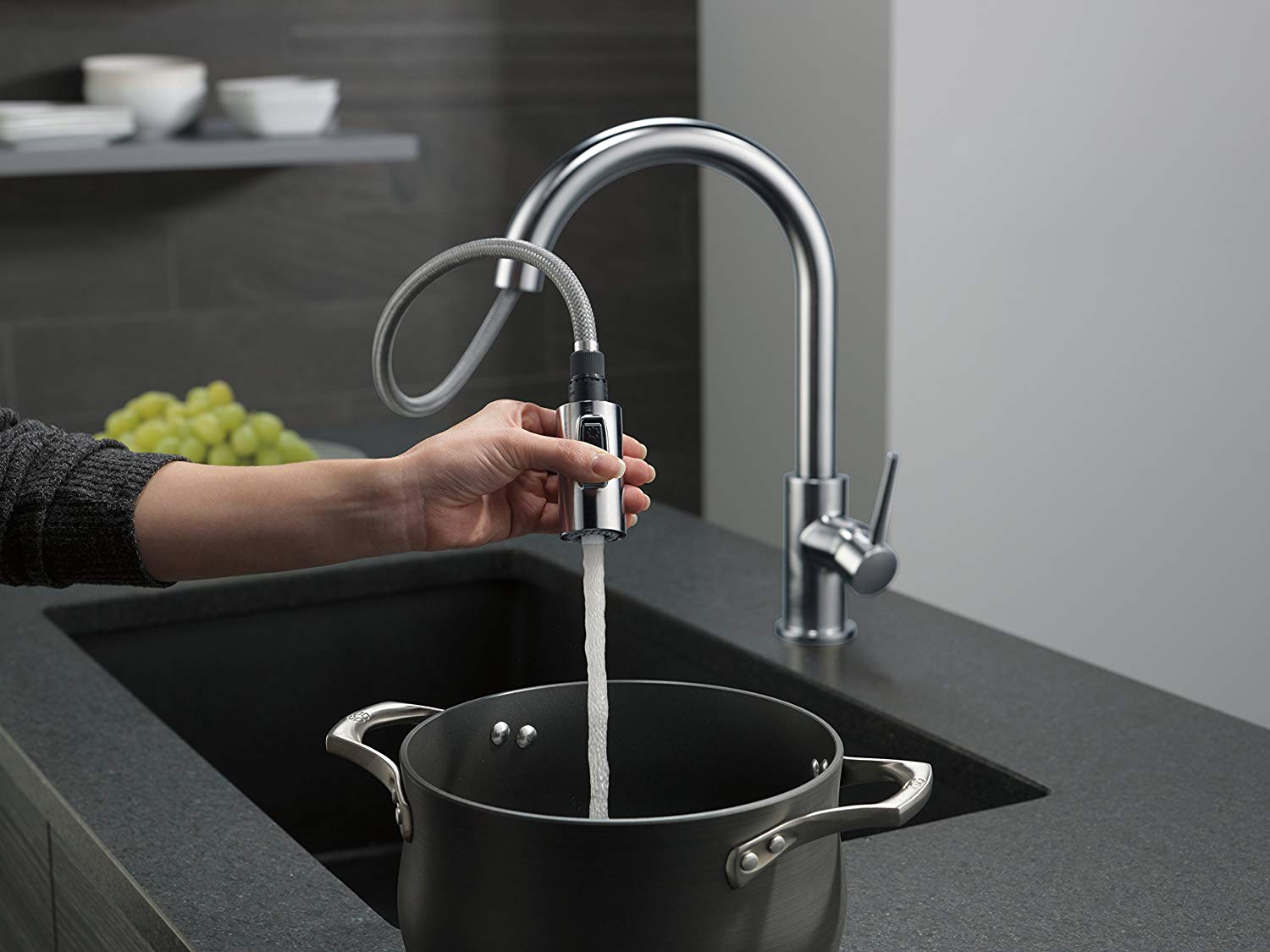 delta trinsic kitchen faucet reviews